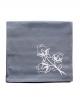 Serviette en coton pur gris, brodée de fleurs de lotus, confectionnée en France