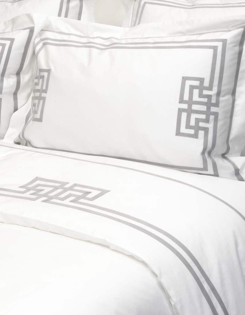 taie d 39 oreiller rectangulaire brume n 3 par badam ts en satin de coton. Black Bedroom Furniture Sets. Home Design Ideas