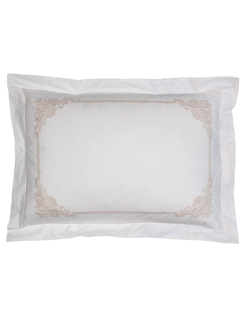 taie d 39 oreiller rectangulaire blanche brod e en percale de coton. Black Bedroom Furniture Sets. Home Design Ideas