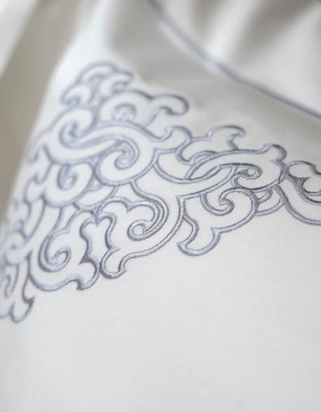 White square pillow case, satin of coton embroidered with silver grey thread